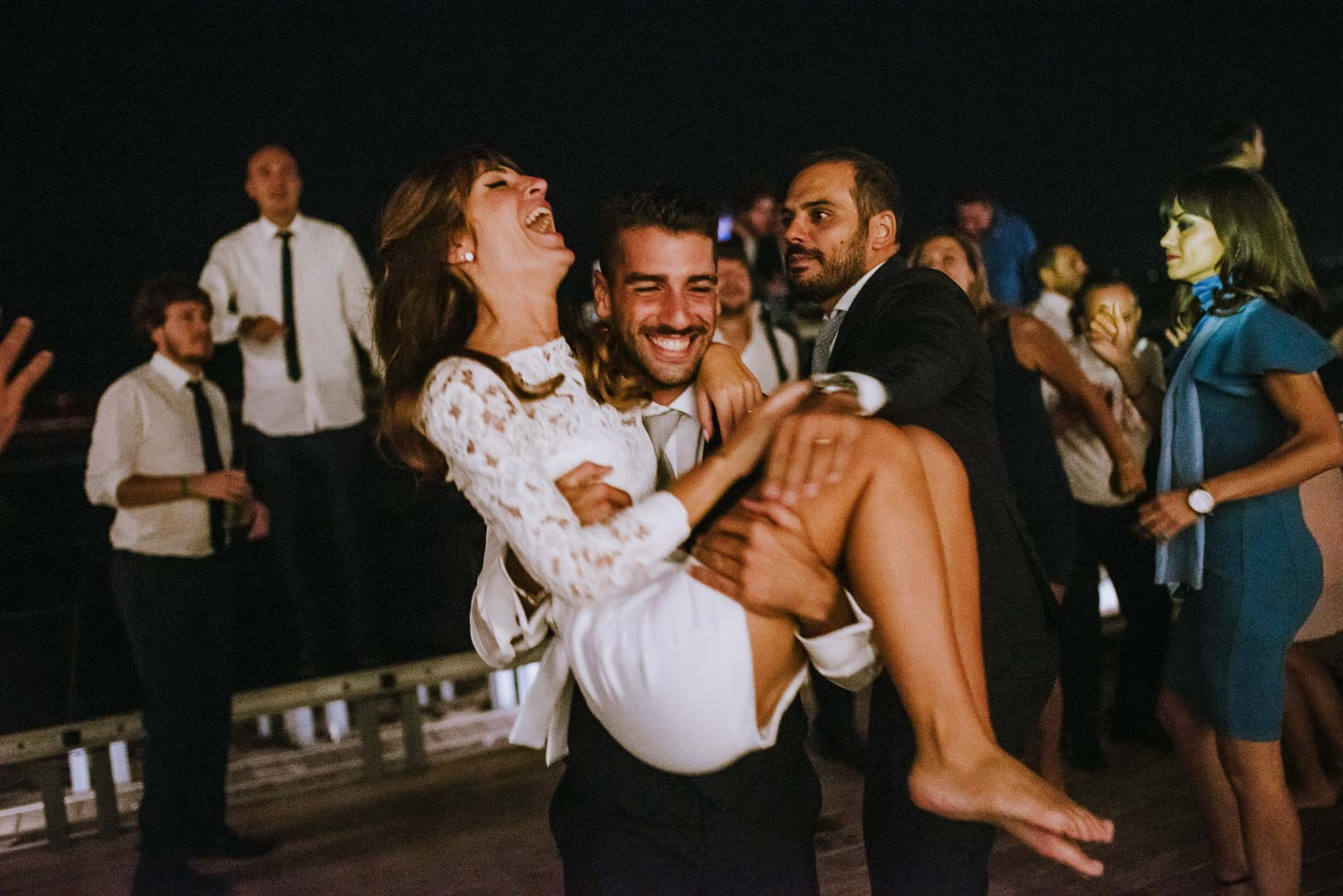 wedding-photographer-destination-fineart-bespoke-reportage-napoli-nabilah-vivianeizzo-spazio46-209